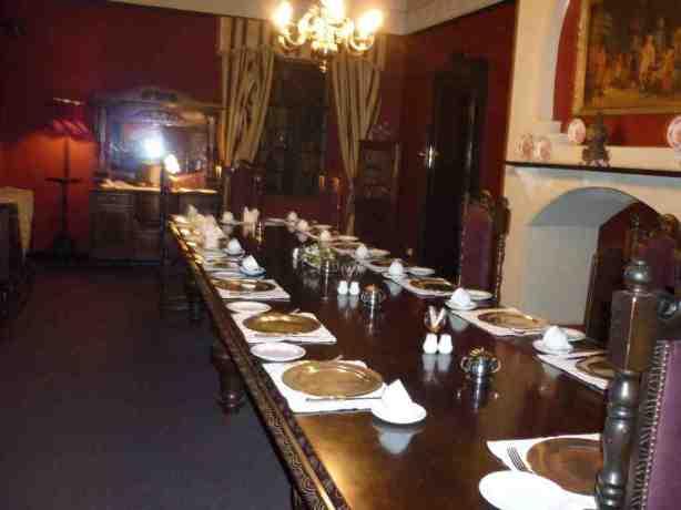 Nesbitt Castle breakfast room