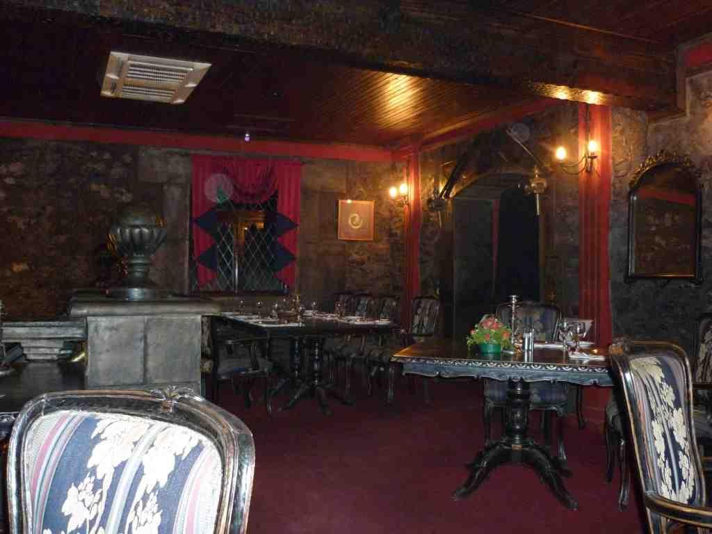 Nesbitt Castle Dining Room