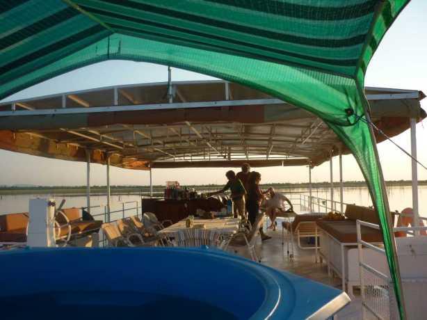Kariba house boat